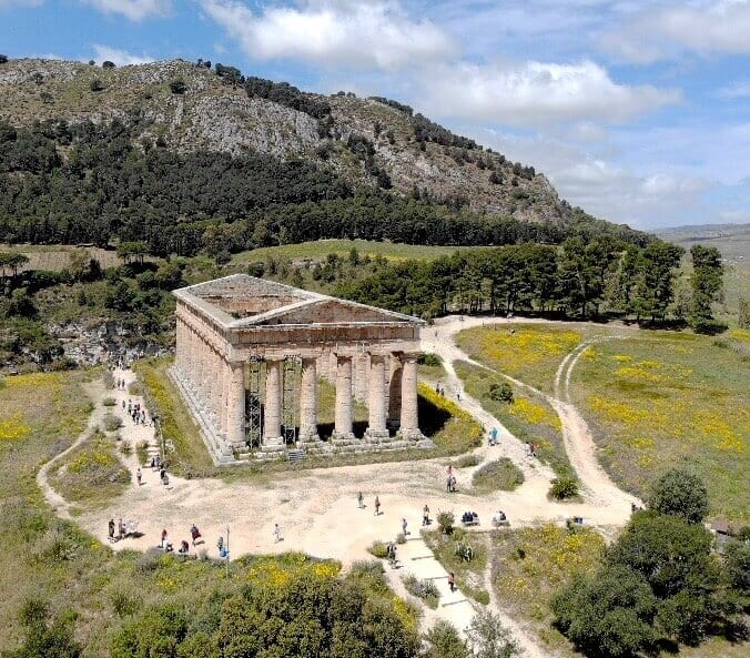 how to visit Segesta